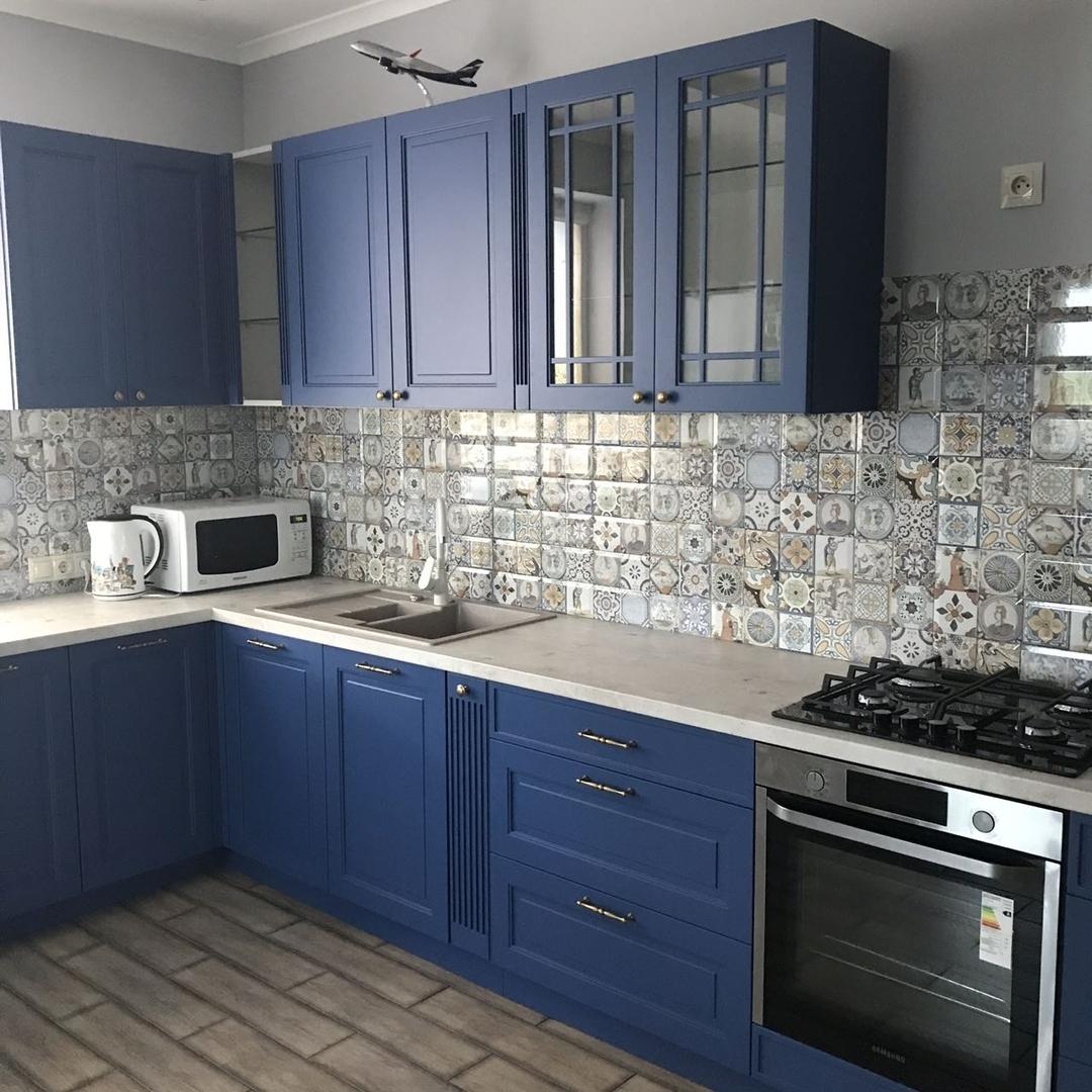 Угловая темная кухня МДФ в эмали 620