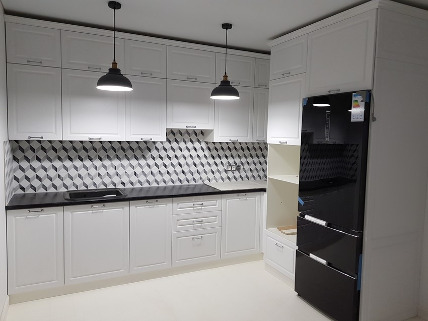 Угловая светлая кухня МДФ в ПВХ 474