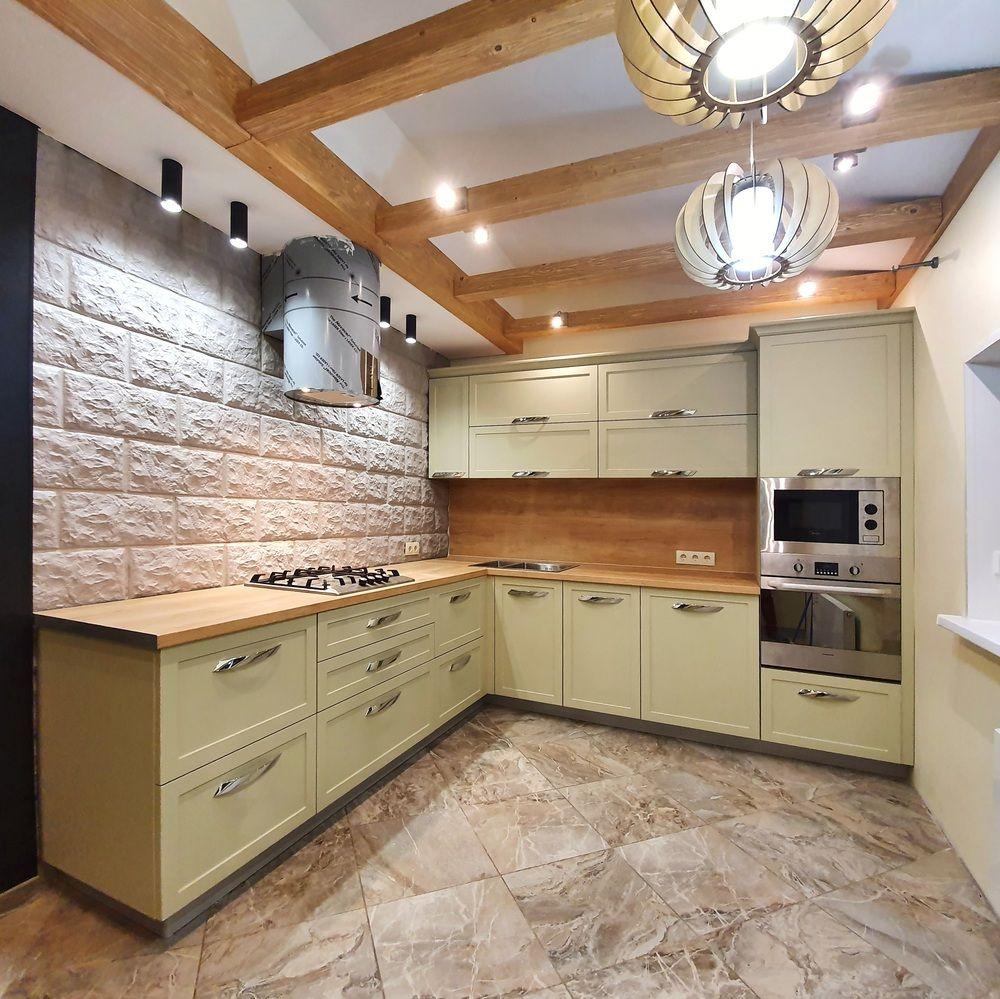 Угловая светлая кухня МДФ в эмали 519