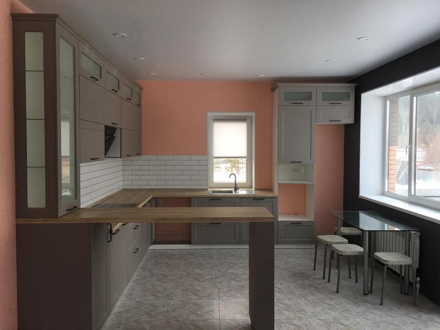 П-образнаяугловая темная кухня МДФ в ПВХ 441 с барной стойкой