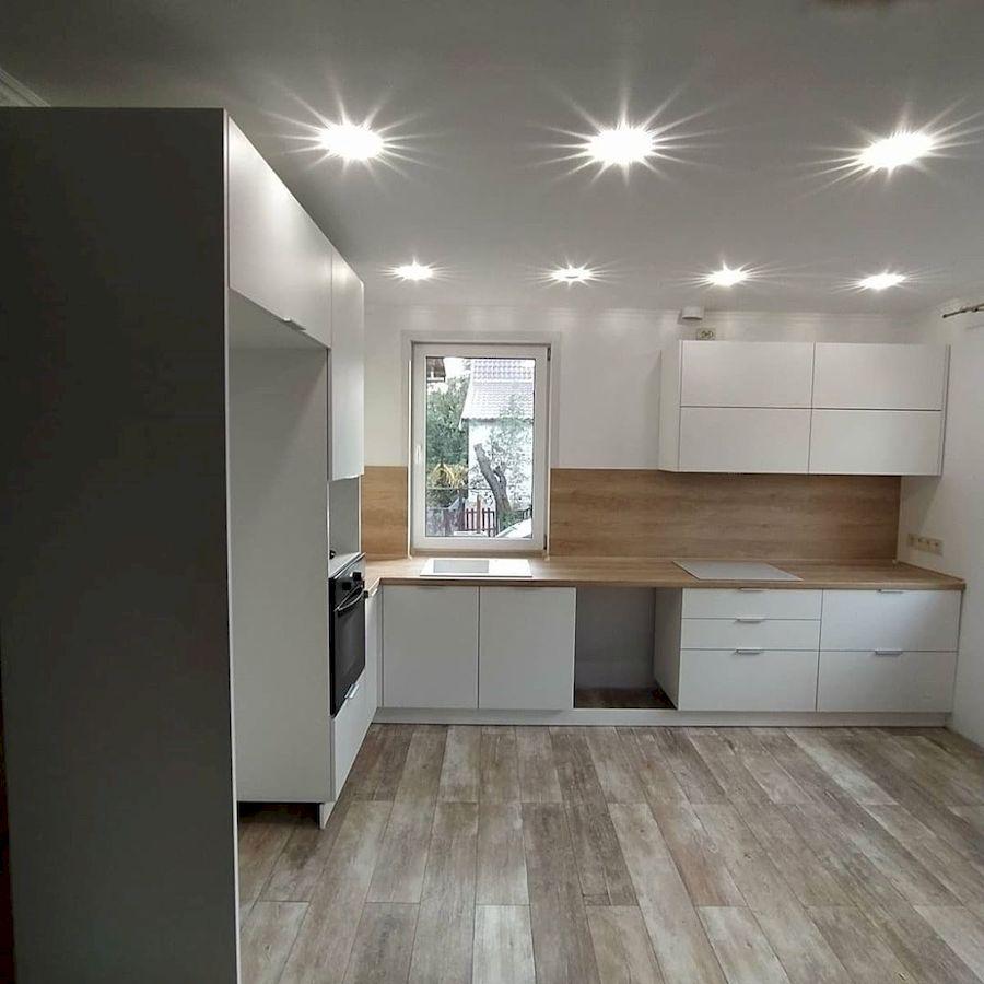 Угловая светлая кухня МДФ в ПВХ 672