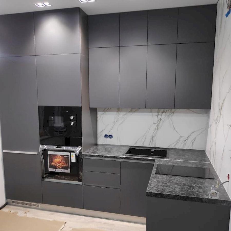 Угловая темная кухня МДФ в ПВХ 673