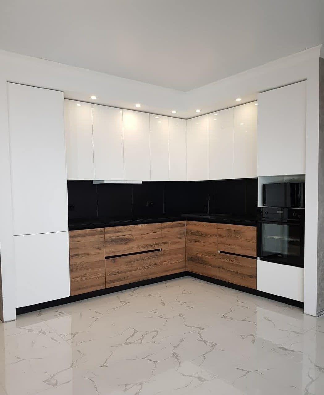 Угловая светлая кухня МДФ в эмали 629