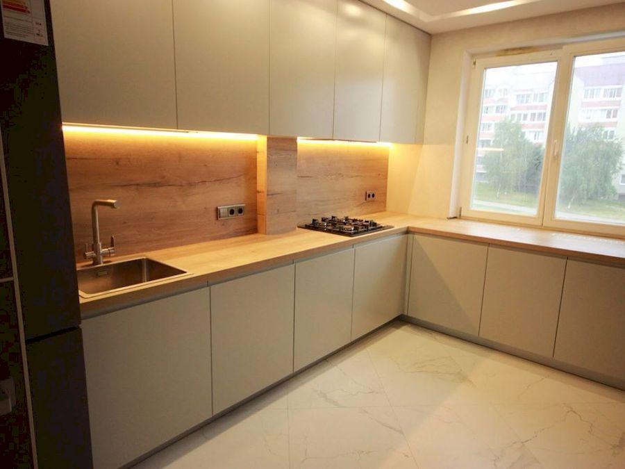 Угловая светлая кухня МДФ в эмали 661